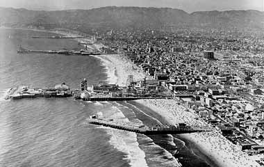 A 1941 Aerial View Looking North Shows The Sunset Pier Venice And Ocean Park Before They Were Demolished